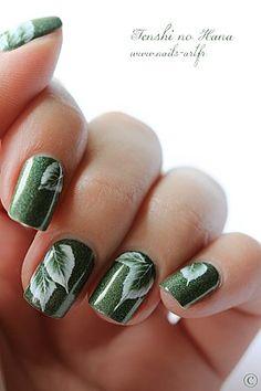 leaf nails..