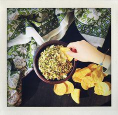 Avocado, pistachio, cream cheese and nachos! (I huvudet på Elvaelva)