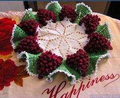 Learn how to make this gorgeous Vine Budding of crochet grapes to make any meal more delicious and beautiful. Hi, my beautiful crochet friends and seamstresses, it's a lovely afternoon to do … Crochet Towel, Crochet Doilies, Crochet Flowers, Hand Crochet, Crochet Stitches, Crochet Books, Crochet Designs, Crochet Patterns, String Art Tutorials