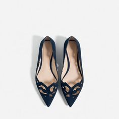 Image 4 of LASER-CUT LEATHER BALLET FLATS from Zara