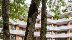 Gigon & Guyer - Zellweger Park housing, Uster Via, photos © Roman Keller. Gigon Guyer, Fata Morgana, Architect House, Park Homes, Facade Architecture, Home Projects, Roman, Architects, Plants