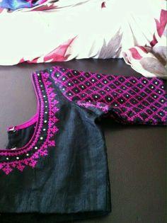 Saree blouse black and pink