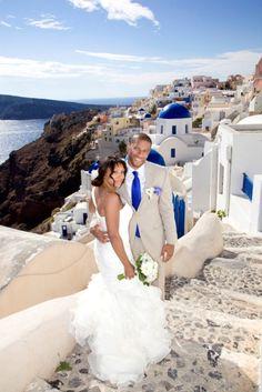 Destination Wedding in Santorini, Greece | Perfect Wedding Guide Wedding Blog