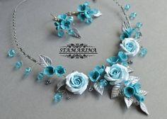 Orecchini e collana di argilla del polimero floreale impostare