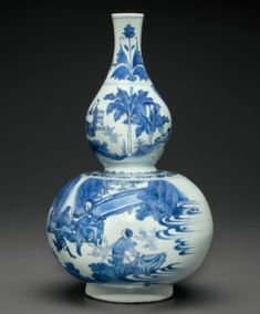 A blue and white double gourd-form vase, Transitional period, circa 1640-1650.