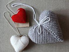 Corazones a crochet. Crochet Diy, Art Au Crochet, Beau Crochet, Crochet Mignon, Crochet Amigurumi, Crochet Home, Love Crochet, Crochet Gifts, Crochet Motif