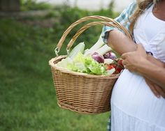 5 Pregnancy Superfoods to Eat Now