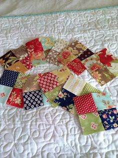 A Quilting Life - a quilt blog: Scrappy Patchwork Table Runner