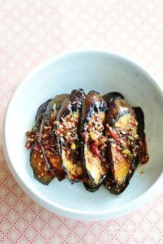 가지양념구이 만드는법~쫄깃한 가지요리,밑반찬 : 네이버 블로그 Best Korean Food, Asian Recipes, Healthy Recipes, K Food, Food Festival, Food Plating, Meal Prep, Brunch, Food And Drink