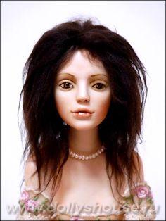 Сестры-балерины. Фарфоровые куклы Светланы Дубодел - с обаятельными фарфоровыми куклами Светланы Дубодел вы знакомы, теперь появились еще две ее работы — лирические балерины в пышных полупрозрачных пачках из шелка, окрашенного вручную. Первой   на основе этой отливки была  «О нем», одетая в белый романтический наряд. Отливка имеет тираж 10 экземпляров, каждая кукла, выполненная на ее основе, индивидуальна. Девушки различаются особенностями росписи, цветом и декором костюмов.