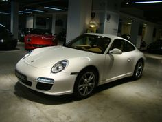 2011 Porsche 911 Carrera 4S Luxury trading is our profession.Buy through http://www.nobleandroyal.com/urun-2011_porsche_911_carrera_4s_dogus_cikisli_1448_km_nasyonelden-29819.html