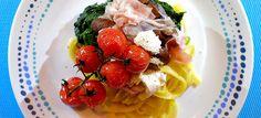 Pasta met spinazie, champignons, tomaatjes, pancetta en mozzarella