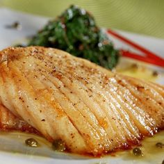Skate wings with caper butter sauce - Fish Recipes Shellfish Recipes, Seafood Recipes, Appetizer Recipes, Vegan Recipes, Cooking Recipes, Eat This, Butter Sauce, Fish Dishes, Fish And Seafood