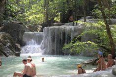 14 piscinas naturais - Cataratas de Erawan Parque Nacional Erawan, Tailândia