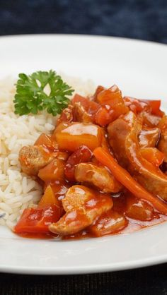 Weight Watchers Friendly Sweet-And-Sour Pork Recipe with Rice Vinegar, Sugar, Ketchup, Soy Sauce, Ginger, Garlic, Bell Pepper, and Pineapple - 10 Smart Points