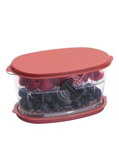 Berry keeper container with adjustable air vents. Wash drain and store. Has a stackable insert tray to store two different types of berries. Produce Storage, Food Storage, Easy Storage, Types Of Berries, Cook Smarts, Kitchen Gadgets, Kitchen Stuff, Kitchen Tools, Kitchen Dining