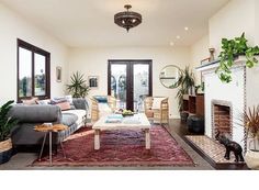 "758 tykkäystä, 8 kommenttia - Gillian (@my.life.in.colour) Instagramissa: ""Looking for  2 bedroom in Silverlake with rentable bonus space, amazing garden, right in the heart…"""