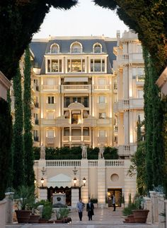 | The Hotel Metropole in Monte-Carlo Has Unique Services for Thrill ...