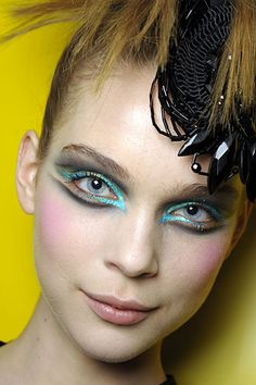 Fall 2008 Haute Couture Makeup Trend - Graphic Eyeliner - Makeup For Life - Beauty Blog, Makeup Tutorials, Product Reviews, Swatches, Celebrity Makeup