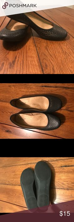 Black Women's Flats Craft and Borrow Ortholite black women's flats. Like new. croft & barrow Shoes Flats & Loafers
