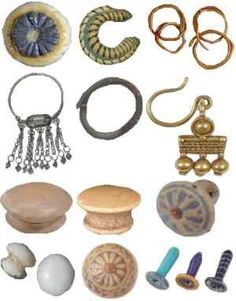 ancient Egyptian earrings - ear lobe stretching appeared during the new kingdom, around 1500 BC