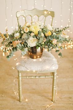 Cozy and Romantic Winter Wedding - http://fabyoubliss.com/2015/02/13/cozy-and-romantic-winter-wedding