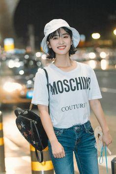 She's so pretty💗 Shen Yue💕 Meteor Garden Cast, Meteor Garden 2018, Korean Short Hair, Korean Girl, Hot Actors, Actors & Actresses, Chinese Tv Shows, Meteor Rain, Shan Cai