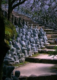 Statue Stairs, Kyoto, Japan photo via jennifer