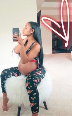 Pregnancy Fitness After The Baby Is Born Pregnancy Goals, Pregnancy Outfits, Pregnancy Photos, Pregnancy Videos, Early Pregnancy, Cute Maternity Outfits, Maternity Pictures, Maternity Fashion, Pretty Pregnant