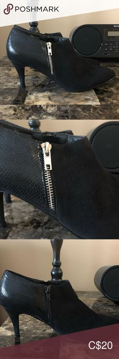 Size 9 Shooties EUC Size 9 shoes with gold zipper accent and inside zipper. Worn once or twice. Bootie Boots, Ankle Boots, Size 9 Shoes, Booty, Zipper, Gold, Closet, Things To Sell, Black