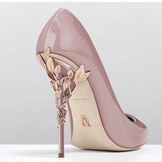 Bridal shoes   www.loveweddingsng.com