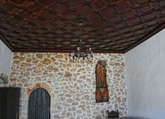 """Interior stone wall employing the """"overgrout"""" techniques Country House Design, Country Houses, Farmhouse Interior, Ceiling Tiles, Stone Houses, Historic Homes, Game Room, Wall Decor, Wall Art"""