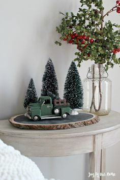 Fantastic Images christmas vignettes Concepts 'Tis that will holiday once again! This kind of Christmas, many of us want to be more than merely your ticketing part Country Christmas Decorations, Farmhouse Christmas Decor, Rustic Christmas, Xmas Decorations, Simple Christmas, Vintage Christmas, Christmas Mantles, Green Decoration, Minimal Christmas