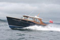 Inboard express cruiser / hard-top / classic LIIT Cockwells