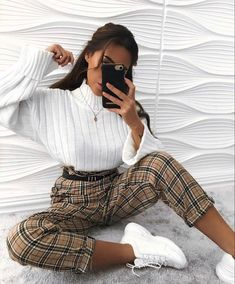 How to wear fall fashion outfits with casual style trends Cute Casual Outfits, Retro Outfits, Vintage Outfits, Hijab Casual, Ootd Hijab, Casual Trouser Outfit, Casual College Outfits, Trouser Outfits, Cute Girl Outfits