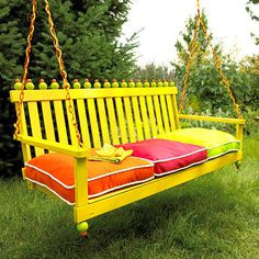 Quick & Easy Garden-Furniture Makeovers - was plain wooden swing Easy Garden, Garden Art, Garden Design, Outdoor Projects, Diy Projects, Yard Swing, Swing Seat, Outdoor Living, Outdoor Decor