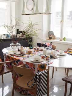 Kitchen Dining, Dining Room, Dining Table, Marimekko, Home And Living, Table Settings, New Homes, House Design, Interior Design