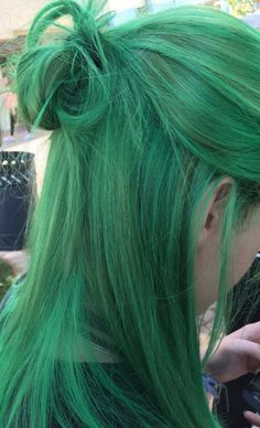 Grace Fantasy Human Hair Bundles Virgin Malaysian Human Hair Body Wave Weft Bundles Unprocessed Hair Extensions Green Color in stock at cheap price for women Green Wig, Green Hair Dye, Dark Green Hair, Girl With Green Hair, Green Hair Streaks, Color Streaks, Coloured Hair, Dye My Hair, Cool Hair Dyed