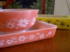Agee Pyrex in flannel flowers by Buttontree Lane, via Flickr