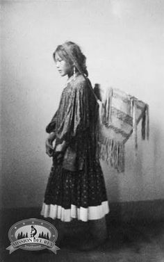 The burden basket of the Native American Apache tribe is one of the most recognized baskets of American Indians. Traditionally, burden baskets were originally used in everyday life for gathering wild