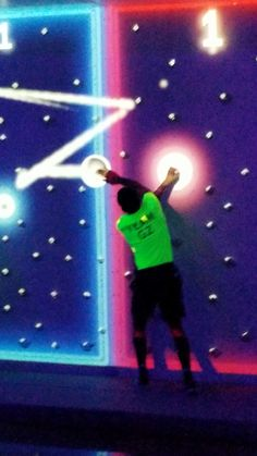 We are all Winners! Book your event today at Glowzone Katy! Interactive Walls, Interactive Installation, Interactive Design, Interactive Museum, Kinect, Activity Games, Activities, Mission Game, Instalation Art