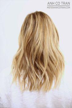 beautiful wavy blonde bob haircut