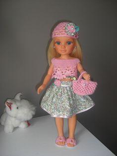Vestido para muñeca Nancy o de talla similar. Exclusivo hecho a mano.