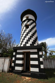 The Hambanthota Lighthouse which is abandoned lies on the land in front of the Government Hambantota Resthouse Entrance. The lighthouse was built in 1913 and it is 14 metres high. This lighthouse was built by the British around 1901 - 1903 and is the only such tower in Sri Lanka. The tower was restored in 1999, and in the past, formed part of an office of the Hambantota Kachcheri where the Land Registy branch was houses.
