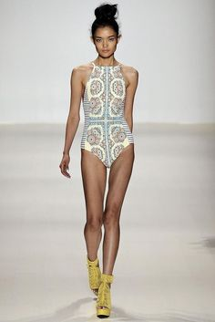 Nanette Lepore Spring 2015 Ready-to-Wear. make up, patterns, and designs are right on. love.