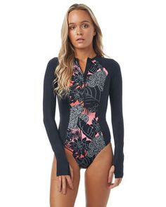 Shop Women's One Piece Bikinis & Swimwear with SurfStitch. We stock a huge range of brands including Billabong & Tigerlily. Roxy Bikini, Bikini Swimwear, Bikinis, Swimsuits, Vintage Bikini, Billabong Women, One Piece Bikini, Surf Outfit, One Piece For Women