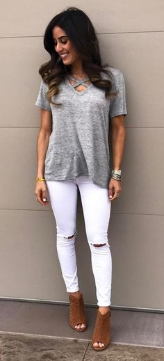 ootd t shirt + ripped jeans