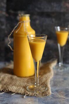 Likier jajeczny Thermomix - Thermomix Przepisy Irish Cream, Hot Sauce Bottles, Fall Recipes, Rum, Alcoholic Drinks, Glass, Fall Food, Homemade Liquor, Recipes