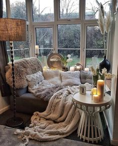 Bohemian latest and stylish home decor design and lifestyle ideas -.- Bohemian latest and stylish home decor design and lifestyle ideas – home interior design Cozy Living Rooms, Home And Living, Modern Living, Cozy Reading Rooms, Modern Sofa, Living Room Cabin, Small Living, Corner Reading Nooks, Log Cabin Bedrooms