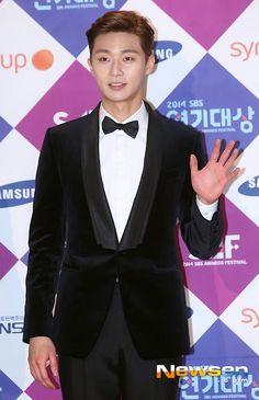 Photo by javabeansdb Asian Celebrities, Asian Actors, Korean Actors, Celebs, Korean Wave, Korean Men, Park Seo Joon, Film Awards, Pop Idol